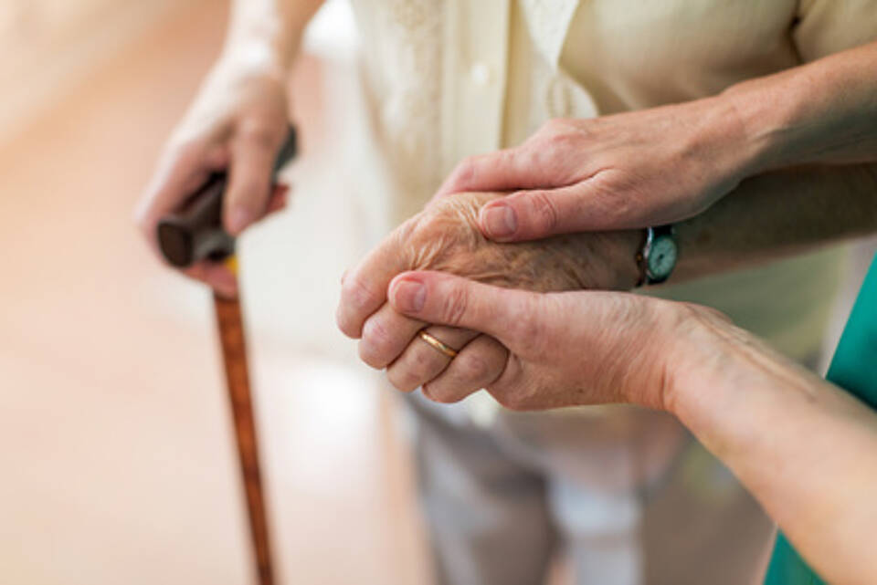 pflegeheim, pflegeperson, pflege, stationäre pflegee