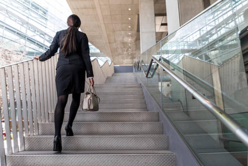 So lässt sich Bewegung in den Alltag integrieren: Gehen beugt diversen Krankheiten