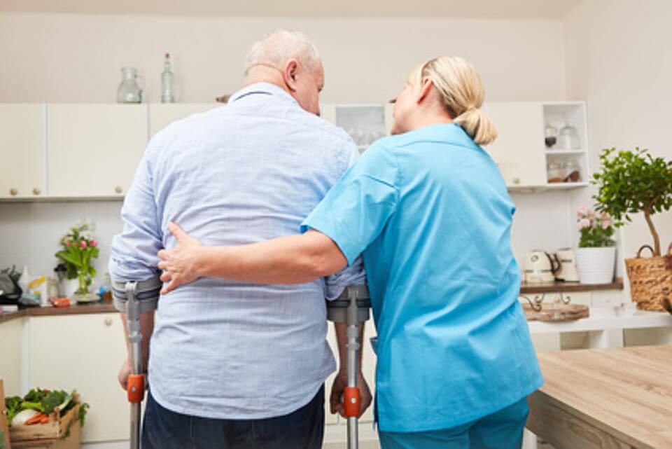 Pflegebedürftige, Bewegungsförderung, Senioren, Mobilisierung, Pflegeheim