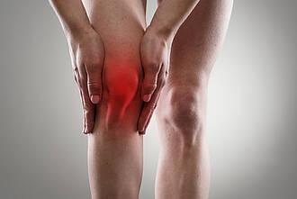 Manche Patienten mit Knie-Arthrose erhalten ein neues Gelenk