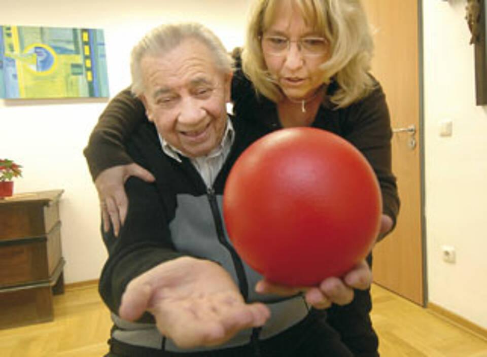 Neurorehabilitation bringt auch sehr alte Menschen wieder auf Trab