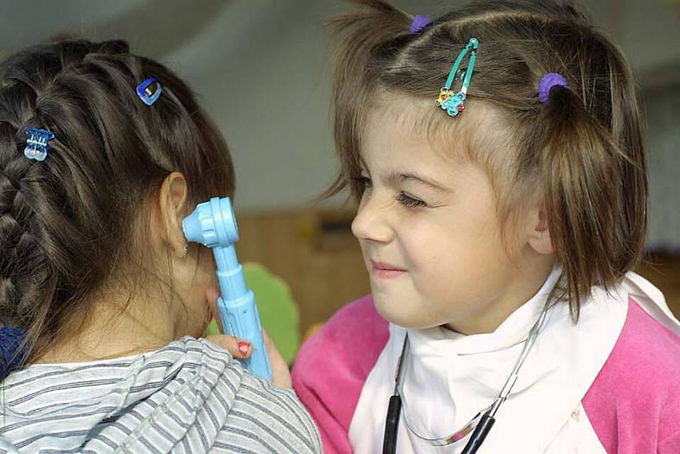 Kinderärzte sehen sich mit der Betreuung von chronisch kranken Kindern von der Politik im Stich gelassen