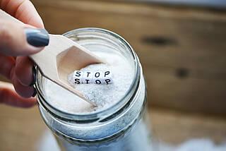Salz greift in Zellmechanismen ein und bremst Immunzellen aus