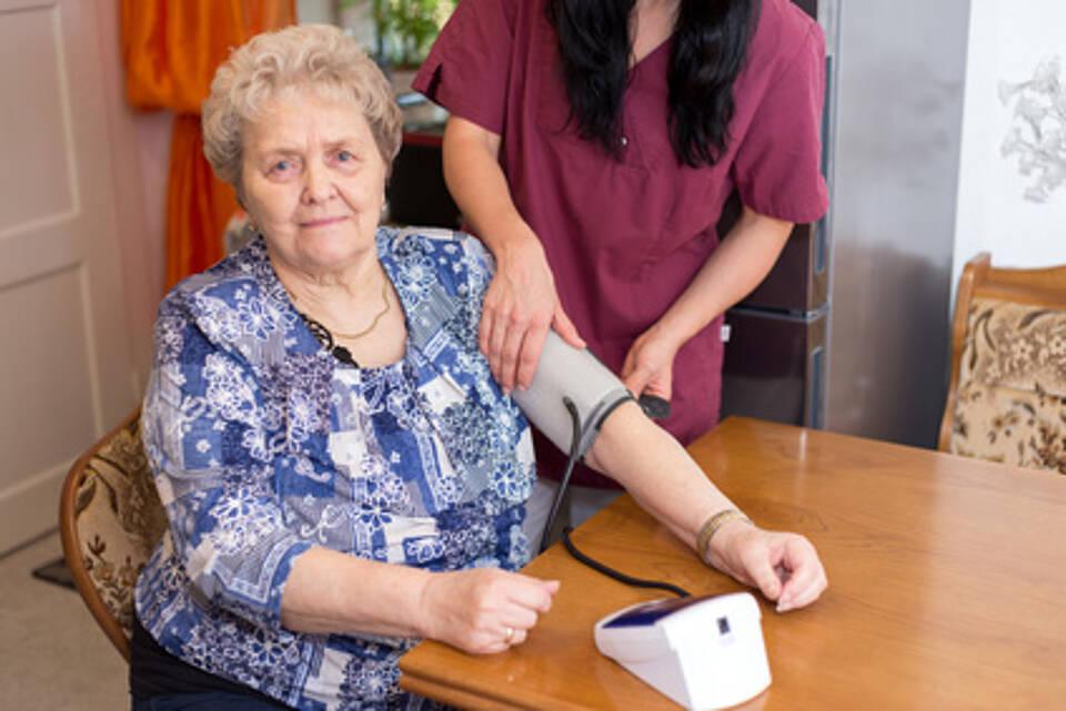 Frauen haben ein höheres Risiko an einem Herzinfarkt zu sterben als Männer - auch wenn sie die gleiche Behandlung bekommen