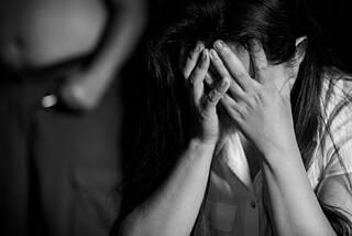 Tag gegen Gewalt an Frauen, häusliche Gewalt
