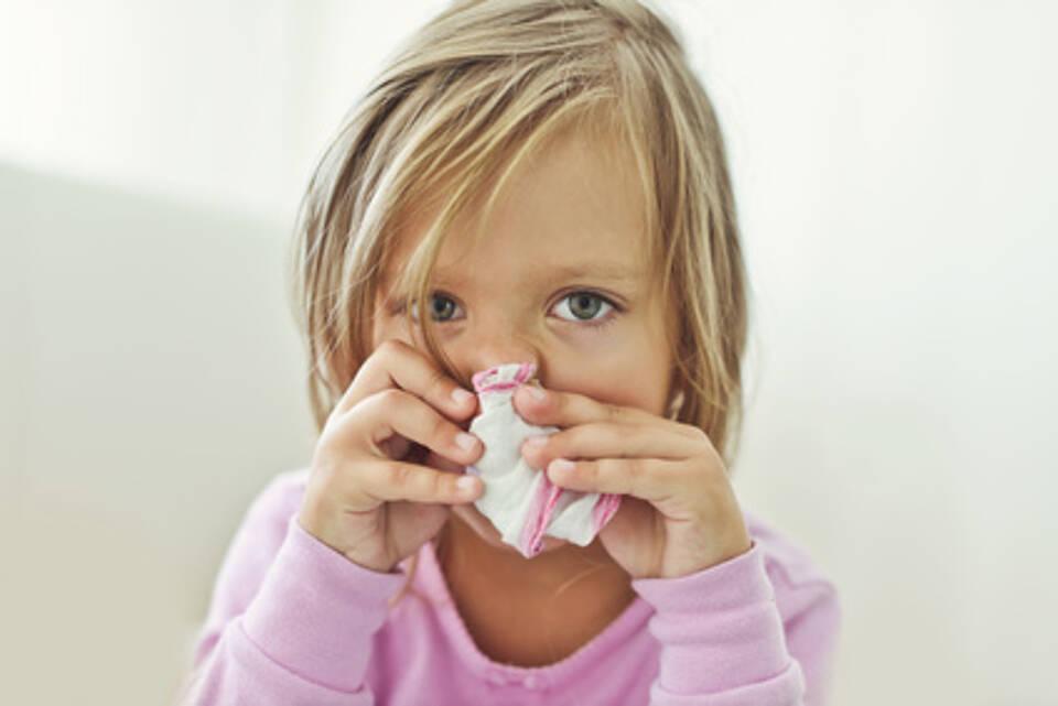 Bei Atemwegsinfekten werden Babys und Kleinkindern auch Antibiotika verschrieben