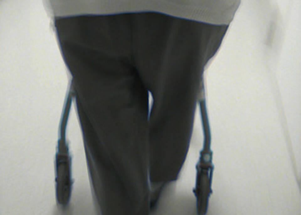 Wie schwacher Strom Schlaganfall-Patienten hilft