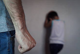 Gewalt, Prüfgelstrafe