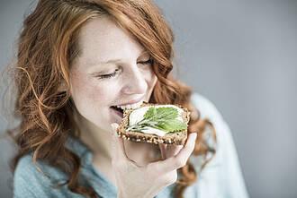 Im September 2017 hat die Deutsche Gesellschaft für Ernährung ihre zehn Regeln aktualisiert. Vollkornprodukte sind unter den Top ten.