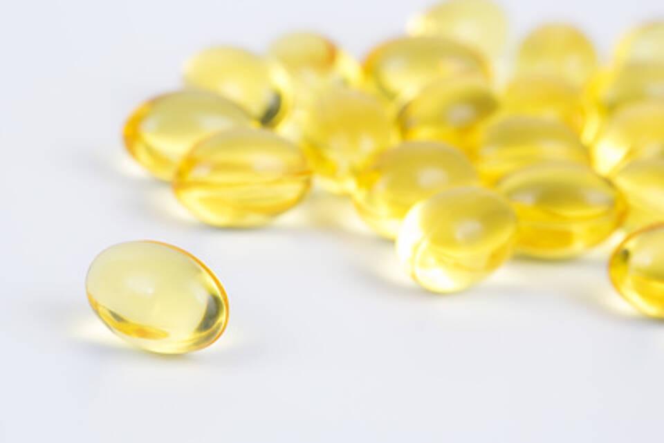 fischöl, fischöl-kapseln, omega-3-fettsäuren