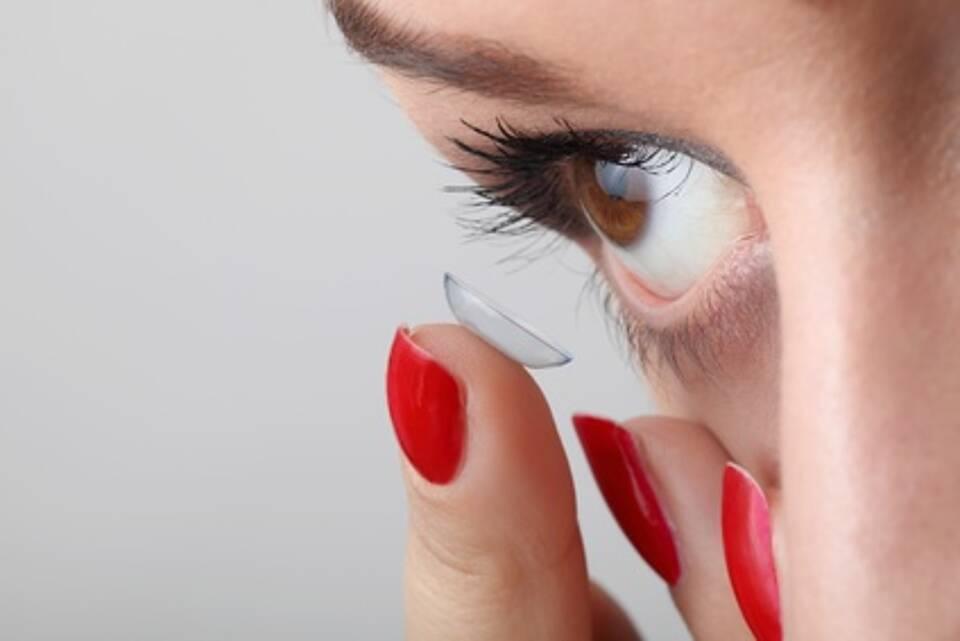 Kontaktlinse, Auge, Hornhaut, Frau, Augenerkrankungen