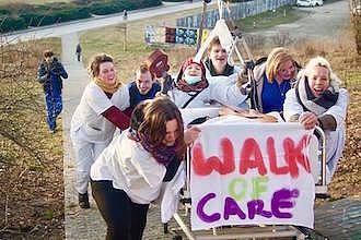 Demonstration für gute Arbeitsbedingungen in der Pflege