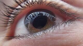 Raucher haben ein nahezu doppelt so hohes Risiko für gefährliche Augenkrankheiten wie den Grünen Star oder die altersbedingte Makuladegeneration