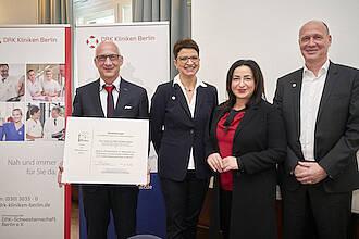 MRE-Siegel gegen Krankenhausinfektionen verliehen