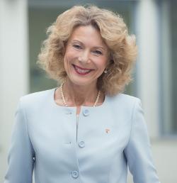 Dr. med. Iris Hauth