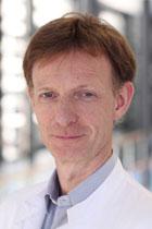 PD Dr. med. Arpad von Moers