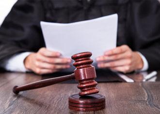 AOK: Urteil zu den Brustimplantaten nicht nachvollziehbar