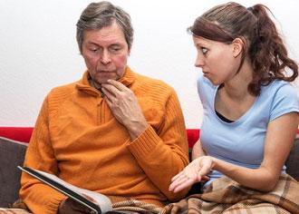 Demenz in jungen Jahren: Kaum Unterstützungsangebote für Betroffene und Angehörige