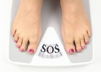 Rauchen und Übergewicht erhöhen das Krebsrisiko. Bei Zucker und Ernährung sind die Zusammenhänge nicht so deutlich