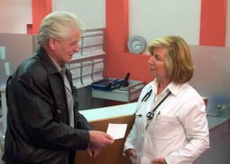 Kein PSA-Test für gesunde Männer: Ein PSA-Screening zur Krebsfrüherkennung ist nach Einschätzung des IQWIG nicht sinnvoll.