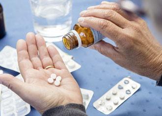 Ältere Menschen mit leicht erhöhten TSH-Werten haben meist keine behandlungsbedürftige Schilddrüsenunterfunktion